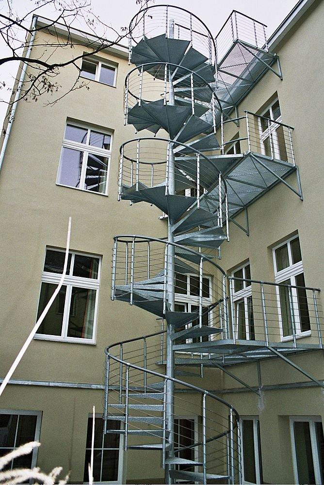 Cầu thang thoát hiểm MV04