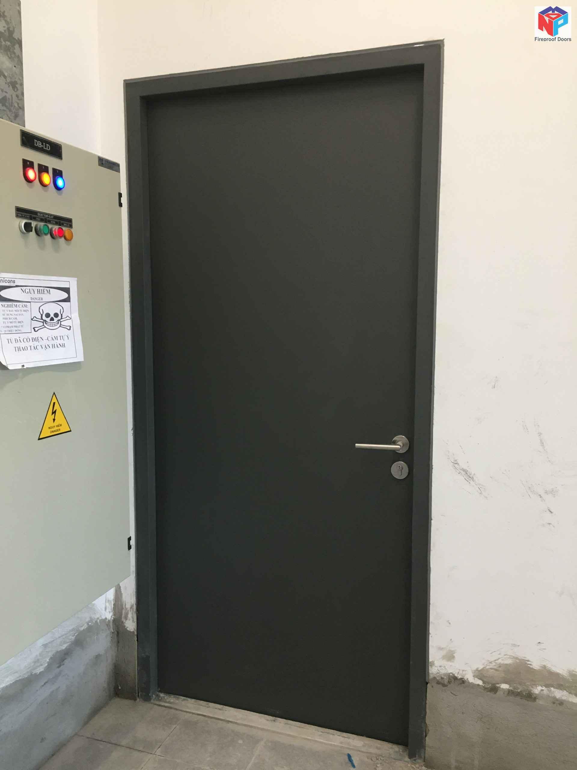 Mẫu cửa thép đẹp chống cháy